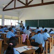 音楽の授業風景。聖イグナチオ学院には3クラス・83人が在籍している。