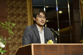 48期卒 宇都宮崇人 氏の記念講演(株式会社ポケモン 常務執行役員)・演題は、「時代を超えるエンタテイメント」です。